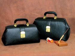 Intern/Student Boston Bag 16 Black Leather