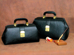 Intern/Student Boston Bag 14 Black Leather