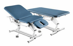 Treatment Table Hi-Lo 25 x75 3-Sect w/Footswitch & Casters