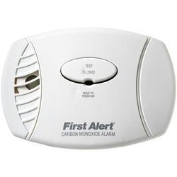 FIRST ALERT CO605 Carbon Monoxide Plug-In Alarm (Battery Backup)