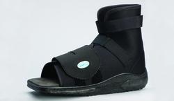 Slimline Cast Boot  Black Square-Toe  Adult Small