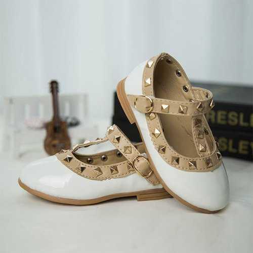 2016 New Princess Girls Rivet Sandals Children Fashion Dress Shoes Flats Loafers Casual