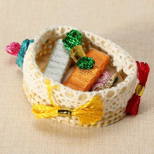 1:12 Simulation Embroidery Kit Children Play Props Aged 4 to 12 Doll House Special Gift for Children