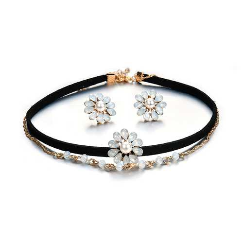 Elegant Pearl Rhinestone Flower Double Layer Gold Chain Black Choker Piercing Earrings Women Jewelry