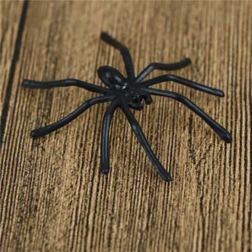 30Pcs/Pack Halloween Decorative Spiders Small Plastic Fake Spider Prank Toys Haunted House Prop white black