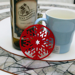 2PC Christmas Coffee Table Water Snowflake Coaster Insulation Pad Coaster Doily Christmas Cup Coaste