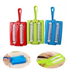 Plastic Hand-held Carpet Debris Cleaning Brushes Sofa Carpet Pet Hair Brush Multi-functional Dust Cleaning Tool