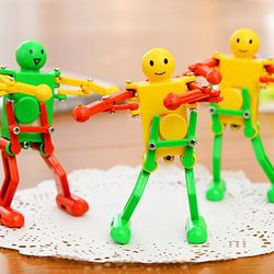 Lovely Dancing Robot Wind Up Toy Random Color