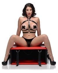Queening Chair
