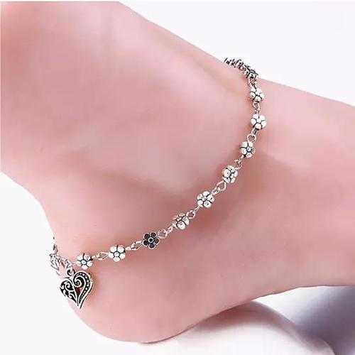 Lea Anklet With Vintage Style Heart and Flowers