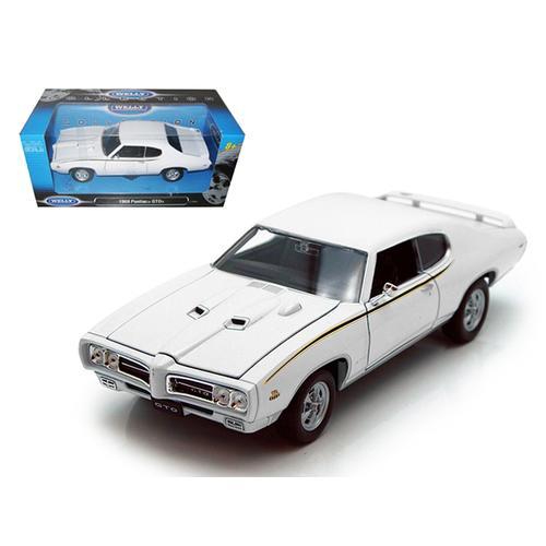 1969 Pontiac GTO Judge White 1/24 Diecast Car by Welly