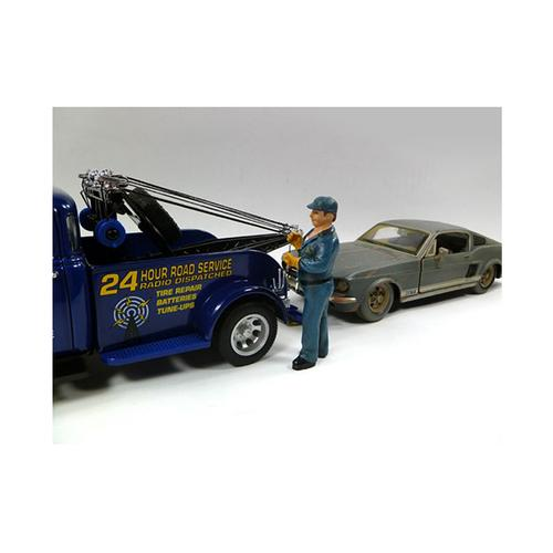 Tow Truck Driver/Operator Bill Figurine for 1/24 Scale Models by American Diorama