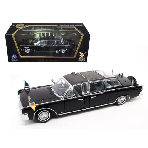 1961 Lincoln X-100 Limousine Quick Fix with Flags 1/24 Diecast Model Car by Road Signature