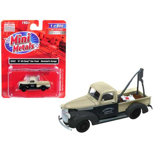 """1941-1946 Chevrolet Tow Truck """"Harmond's Garage"""" Black and Cream 1/87 (HO) Scale Model Car by Classic Metal Works"""
