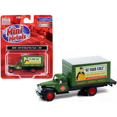 """1941-1946 Chevrolet Box Truck Green """"Railway Express Company"""" 1/87 (HO) Scale Model by Classic Metal Works"""