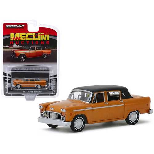 "1972 Checker Marathon Gold Metallic with Black Top (Chicago 2018) ""Mecum Auctions Collector Cars"" Series 4 1/64 Diecast Model Car by Greenlight"