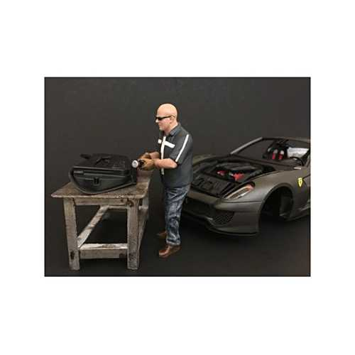 """Chop Shop"" Mr. Fabricator Figurine for 1/24 Scale Models by American Diorama"