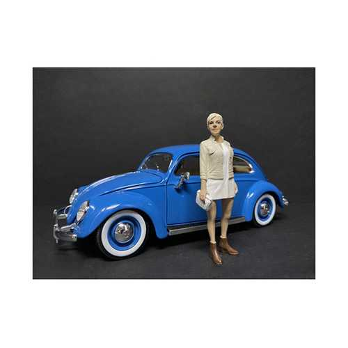 """""""Partygoers"""" Figurine IV for 1/24 Scale Models by American Diorama"""