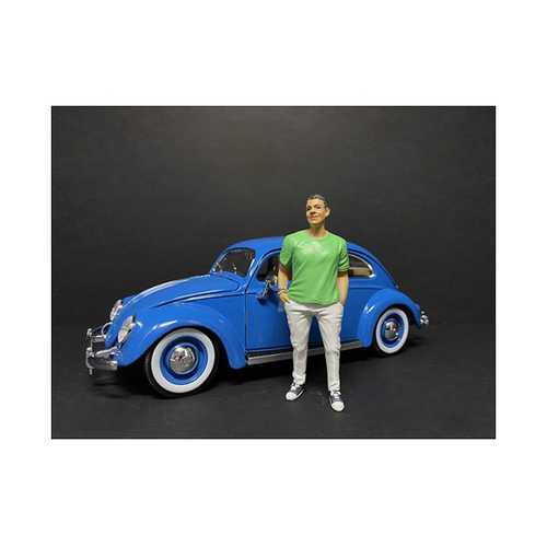"""""""Partygoers"""" Figurine IX for 1/24 Scale Models by American Diorama"""