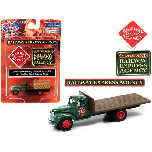 """1941-1946 Chevrolet Flatbed Truck Green with Shipping Crates and Building Signs """"Railway Express Agency"""" 1/87 (HO) Scale Model by Classic Metal Works"""