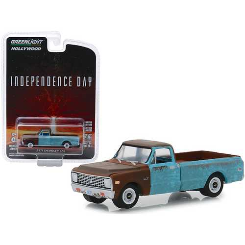 """1971 Chevrolet C-10 Pickup Truck Weathered """"Independence Day"""" (1996) Movie """"Hollywood Series"""" Release 24 1/64 Diecast Model Car by Greenlight"""