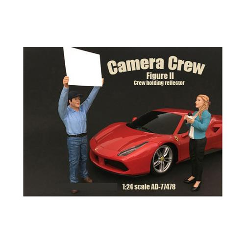 "Camera Crew Figure II ""Crew Holding Reflector"" For 1:24 Scale Models by American Diorama"