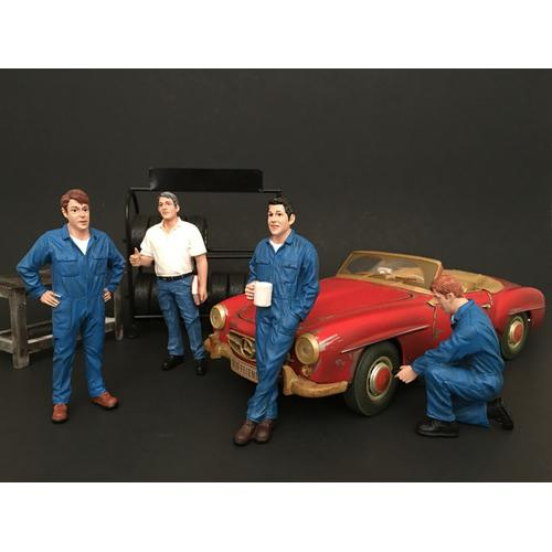 """""""Mechanics"""" 4 piece Figurine Set for 1/24 Scale Models by American Diorama"""