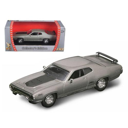 1971 Plymouth GTX 440 6 Pack Silver 1/43 Diecast Model Car by Road Signature