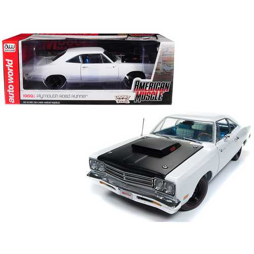 "1969/5 Plymouth Road Runner White Looney Tunes ""Hemmings Muscle Machines"" Limited Edition to 1002 pieces Worldwide 1/18 Diecast Model Car by Autoworld"