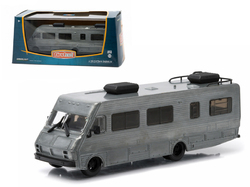 First Cut 1986 Fleetwood Bounder RV 1/64 Diecast Model Car by Greenlight