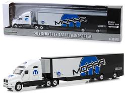 "2018 Kenworth T2000 ""MOPAR"" Transporter Hobby Exclusive 1/64 Diecast Model by Greenlight"