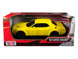 2018 Dodge Challenger SRT Hellcat Widebody Yellow 1/24 Diecast Model Car by Motormax