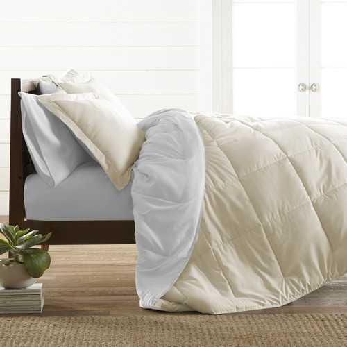 Case of [9] King Down Alternative Reversible Comforter Set - White