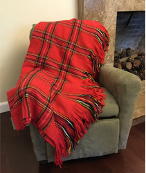 Case of [1] Deluxe Knitted Throw Blanket - Plaid Red
