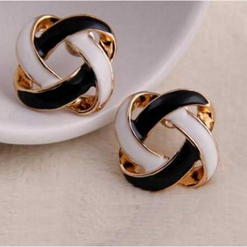 1 Pair Women Earrings Korean Vintage Charming Black and White