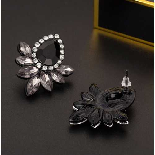 Black Resin Sweet Metal with Gems Ear Stud Earrings