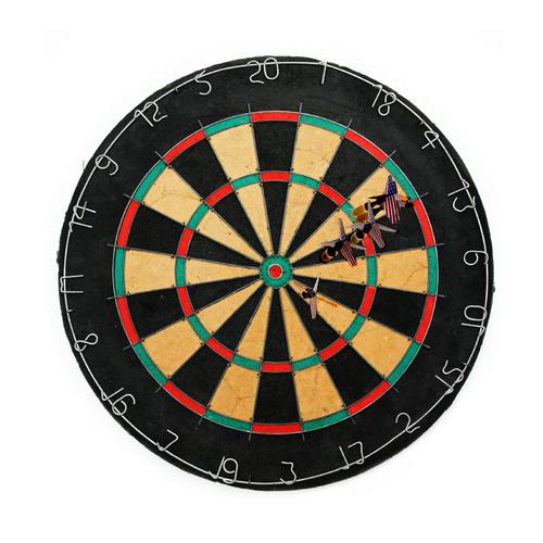 Tournament Bristle Dartboard w 6 Regulation Steel tip darts
