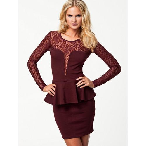Long sleeve sexy lace club dress dark red