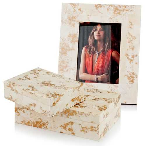 "2"" x 8.5"" x 10.5"" Natural & Gold Spindle - 5x7 Photo Frame"