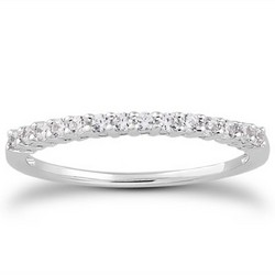 14K White Gold Shared Prong Diamond Wedding Ring Band with Airline Gallery, size 6.5