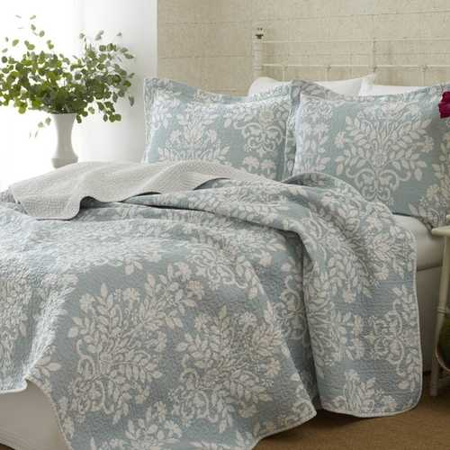 100% Cotton Twin size 2-Piece Quilt Set with Sham in Blue White Floral Pattern