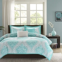 Full / Queen Teal Turquoise Aqua Blue and White Damask Comforter Set