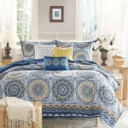 Queen size 6-Piece Coverlet Quilt Set in Blue Floral Pattern