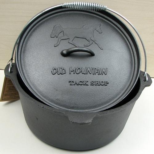 Tack Shop 8 qt Dutch Oven no feet