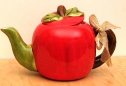 Ceramic Apple Tea Pot
