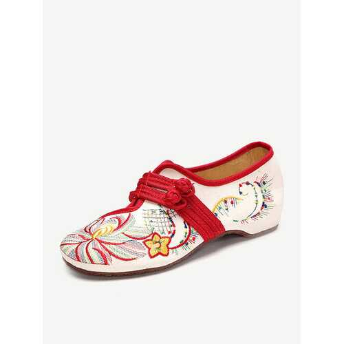 Big Size Flower Embroidered Chinese Knot Vintage Flat Casual Loafers