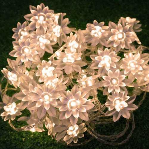 80LED Solar Powered Lotus Flower Light
