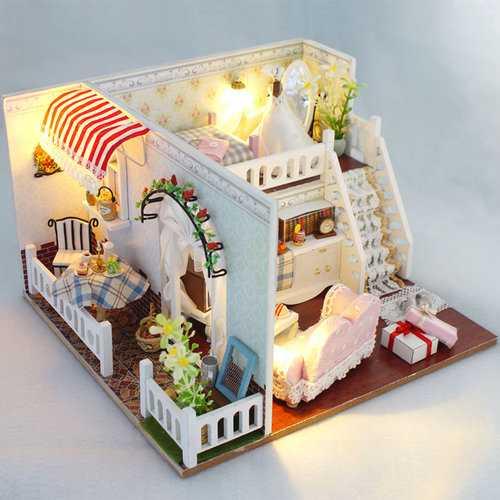 Miss Margaret's House DIY Dollhouse