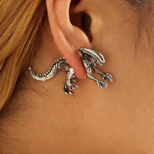 1 Pair Xenomorph Alien Earrings