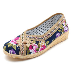 Soft Breathable Flower Embroidered Flat Loafers For Women